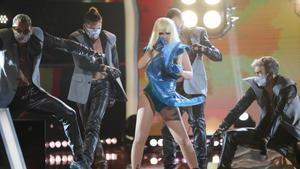 Beatriz Luengo imitando a Lady Gaga en la versión americana de 'Tu cara me suena'.