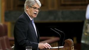 El ministro de Asuntos Exteriores, Alfonso Dastis, defendiendo el CETA en el Congreso.