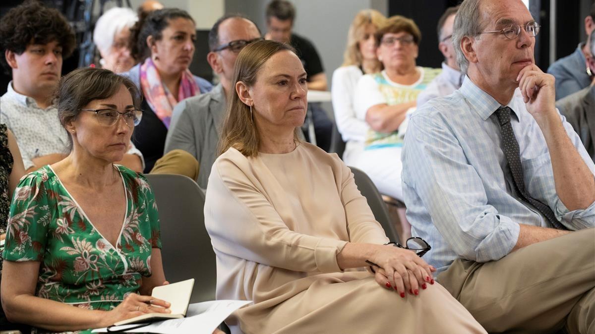 Laura García Lorca (en el centro), sobrina del poeta, en el simposio en el que se ha hecho pública la noticia.