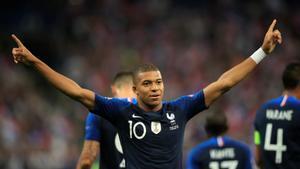 Mbappé brilló ante Holanda