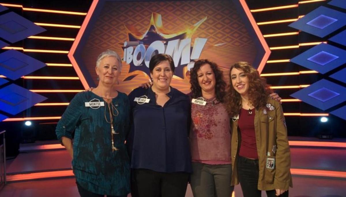 De izquierda a derecha, Montse, Gloria, Amparo y Cristina, integrantes de 'Las extremis', en el concurso '¡Boom!'.