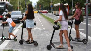 Un estudio de Sant Joan de Déu pide proteger a los niños en los patinetes eléctricos.