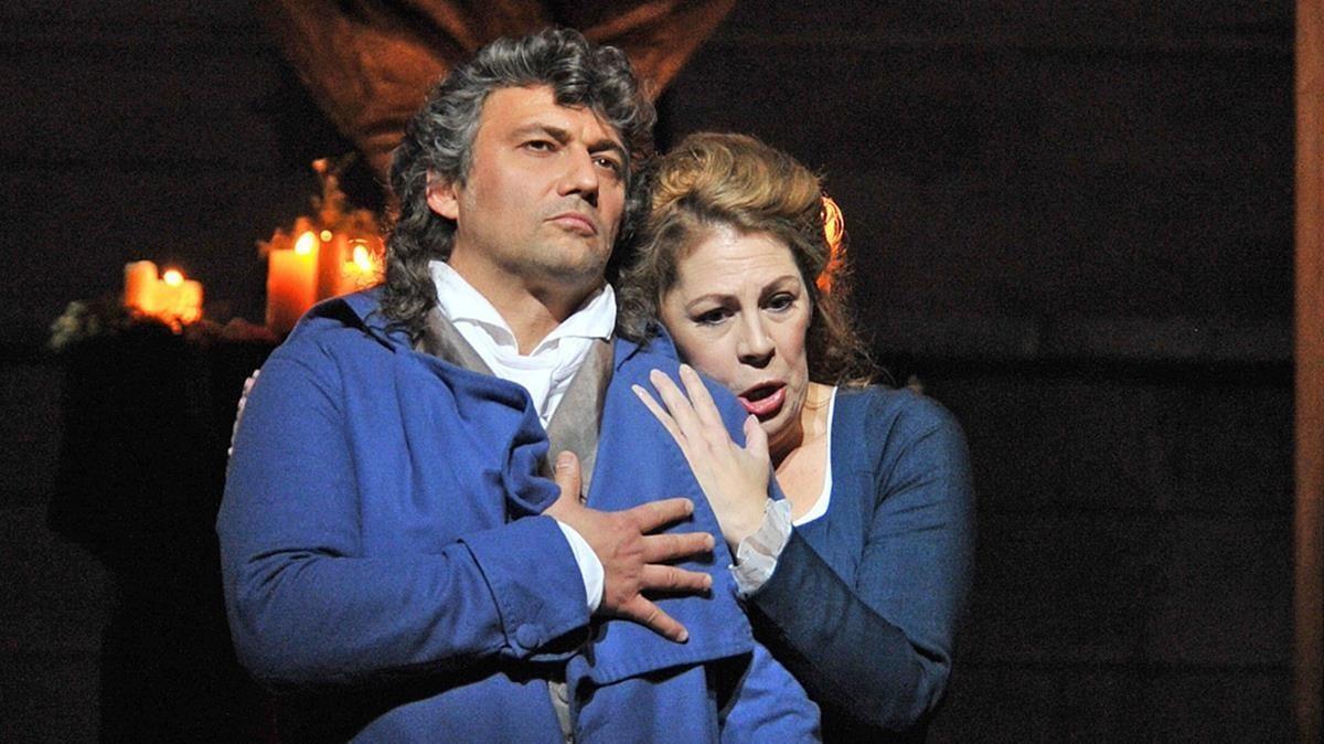 Jonas Kaufmann y Sondra Radvanovsky, en una escena de 'Andrea Chénier'.