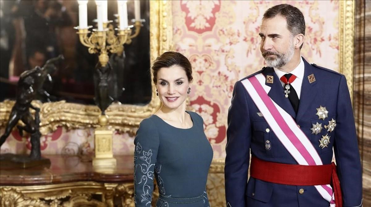 El rey Felipe VI y la reina Letizia, durante la celebración de la Pascua Militar.