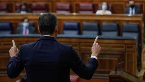 MADRID, 18/11/2020.- El presidente del Gobierno, Pedro Sánchez, durante su intervención en la sesión de control al Ejecutivo, este miércoles en el Congreso. EFE/ Emilio Naranjo