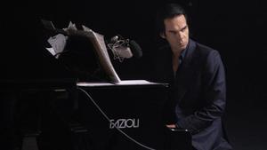 Nick Cave, durante el recital, a solas, en elAlexandra Palace de Londres.