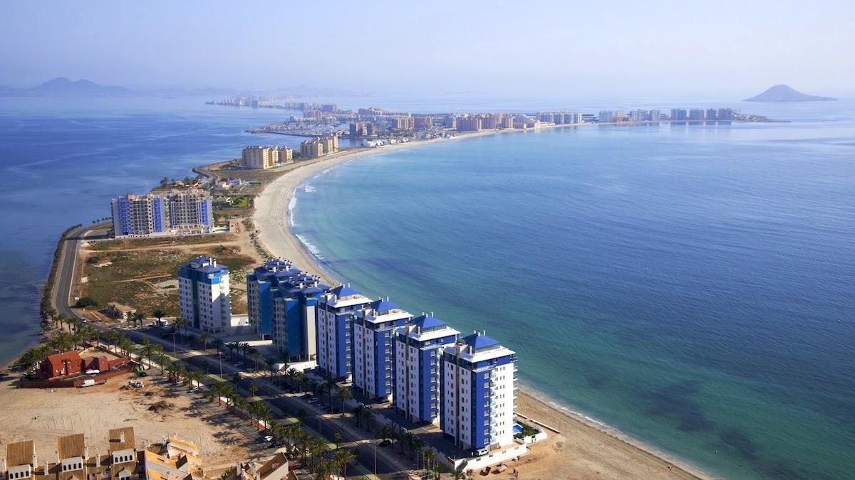 Objetivo, salvar el Mar Menor: la mayor laguna salada de Europa agoniza