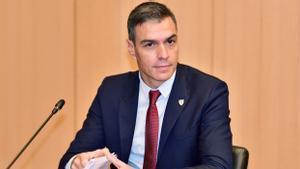 El presidente del Gobierno, Pedro Sánchez, durante la sesión plenaria de la cumbre UE-Balcanes Occidentales en Brdo pri Kranju, en Kranj, Eslovenia, este 6 de octubre de 2021. En vídeo: Sánchez anuncia un bono cultural de 400 euros para jóvenes al cumplir 18 años.
