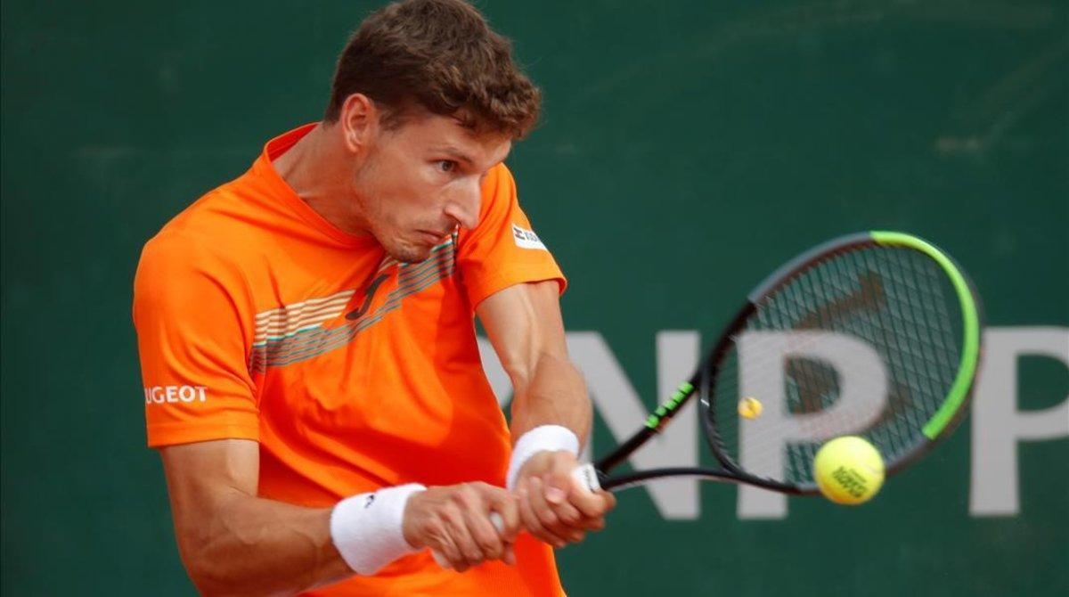 Carreño, en acción ante Bautista, en Roland Garros.