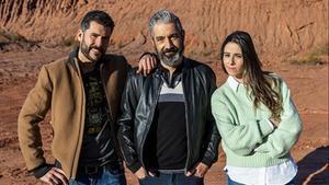 Ivan Medina, Roger de Gràcia y Candela Figueras, los presentadores de 'Batalla monumental'.