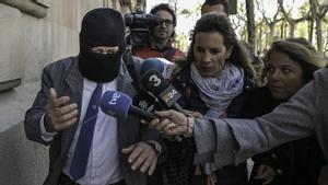 Joaquín Benítez, exprofesor de losMaristas,condenado a 21 años y 9 meses de cárcel porabusar sexualmentede cuatro menores de edad.