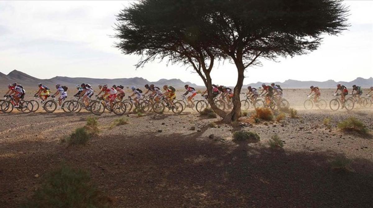 Participantes de la Titan Desert, en acción.