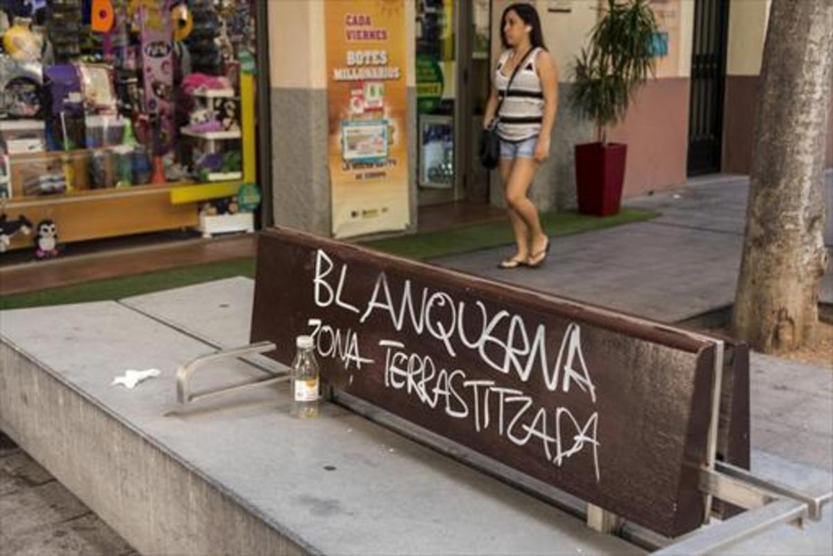 PALMA Pintada contra la masificación en la capital balear.