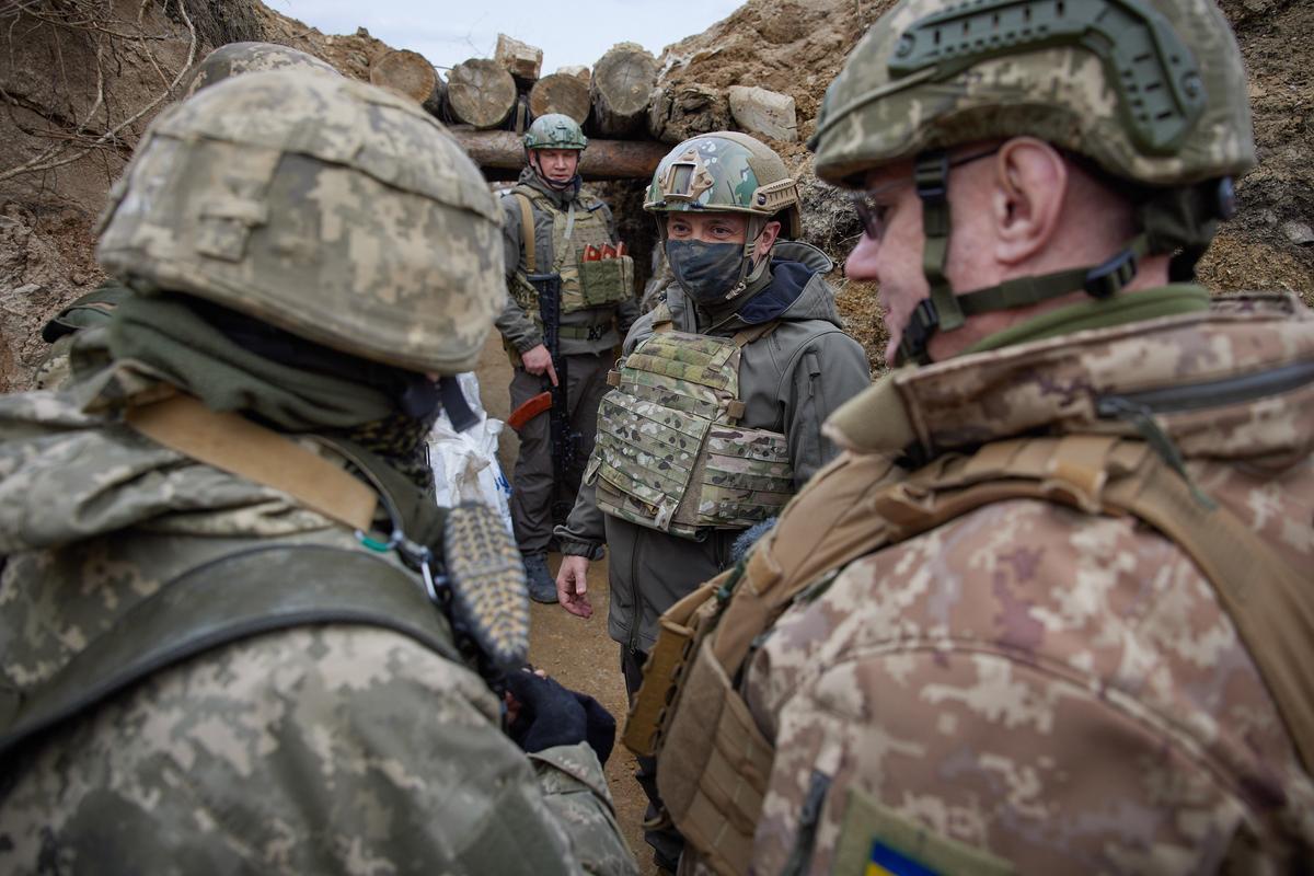 Moscou ordena la retirada de les tropes al costat d'Ucraïna