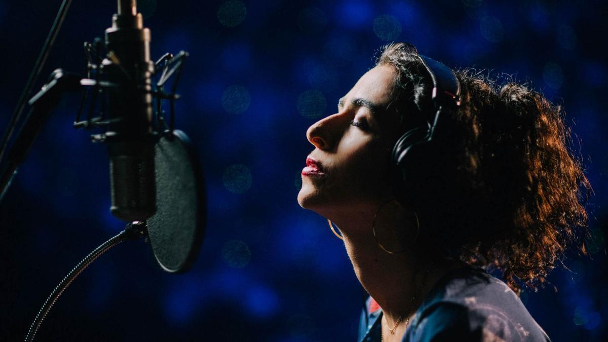 Marisa Monte, irresistible hechicera en 'Portas'