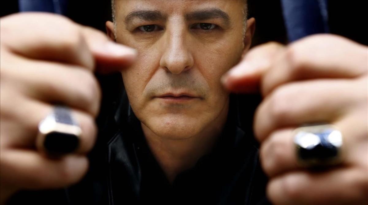 El actor Roberto Álamo, en Madrid, durante la entrevista para presentar 'Que Dios nos perdone'.