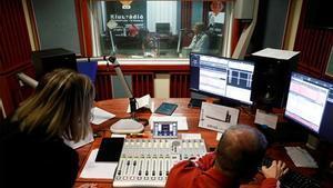 La UE condena el cierre de la última cadena de radio independiente húngara