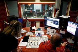 La UE condemna el tancament de l'última cadena de ràdio independent hongaresa