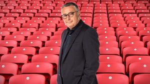 El exfubolista y comentarista deportivo Michael Robinson.