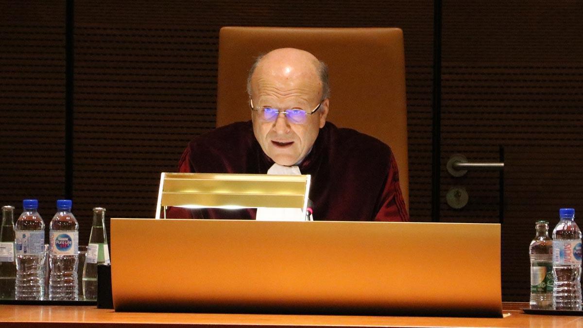 El presidente del TJUE, Koen Lenaerts, lee las conclusiones de la sentencia sobre el caso Junqueras.