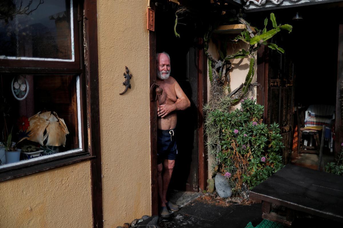 Gert Waegerle, en la entrada de su casa en Tacande de Arriba, en La Palma.