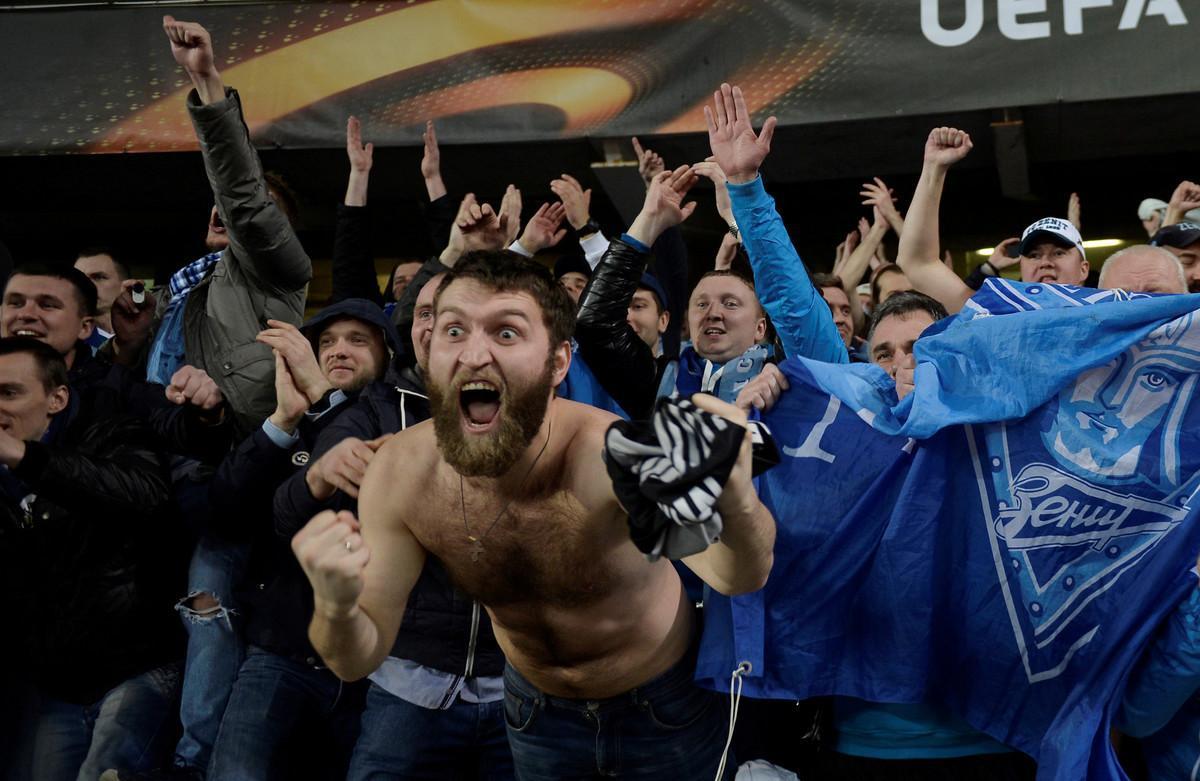Seguidores del Zenit de San Petesburgo, en un partido de la Europa League.