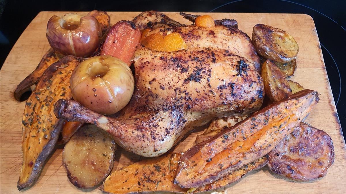 Pollo al horno con boniatos y patatas