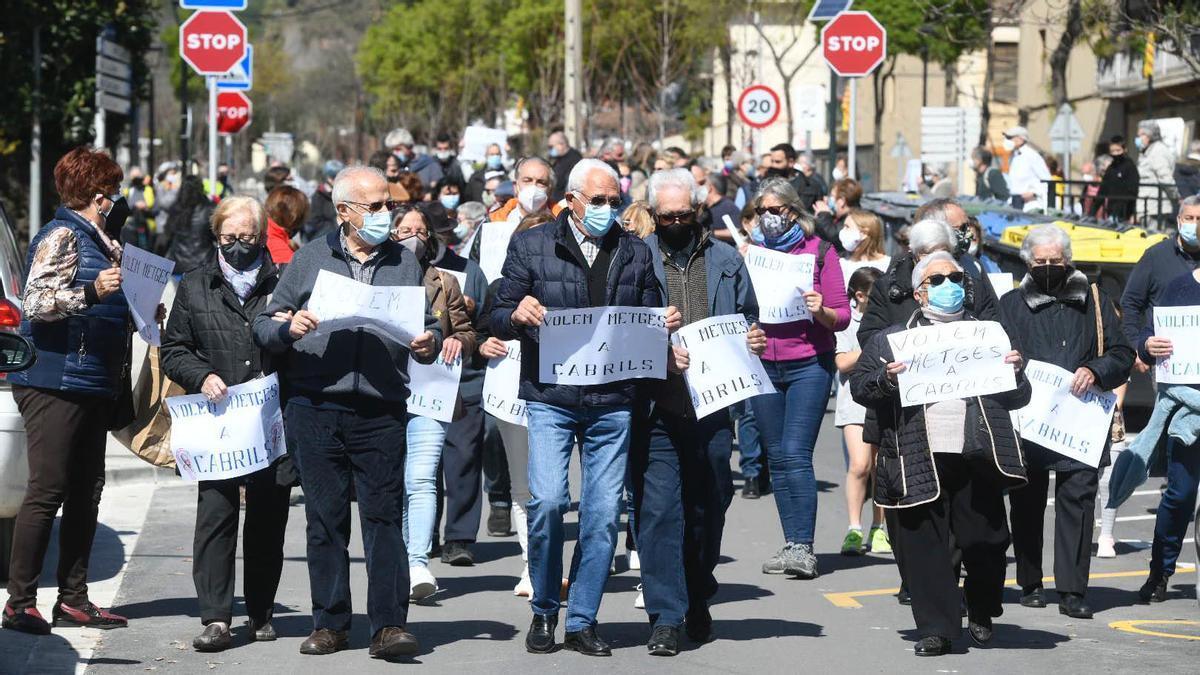 Manifestación en Cabrils para pedir el retorno del médico al CAP de la localidad.