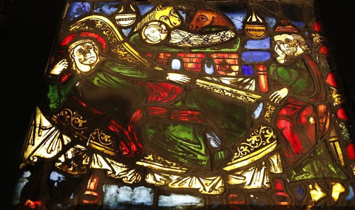 El vitral medieval hallado en la Catedral de Girona