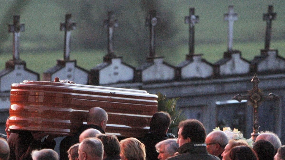 Imagen de un entierrro en un pueblo de A Coruña.