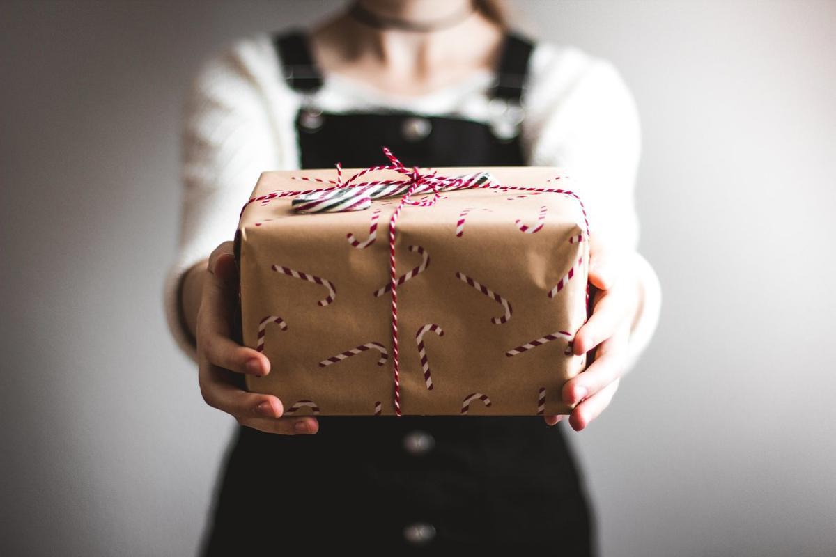 El 50 % de los españoles se plantea comprar regalos de segunda mano para las próximas Navidades.