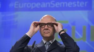 BRS03 BRUSELAS (BÉLGICA) 22/05/2017.- El comisario europeo de Asuntos Económicos de la Unión Europea (UE), Pierre Moscovici, ofrece una rueda de prensa para presentar el Semestre Europeo en Bruselas (Bélgica) hoy, 22 de mayo de 2017. EFE/Olivier Hoslet