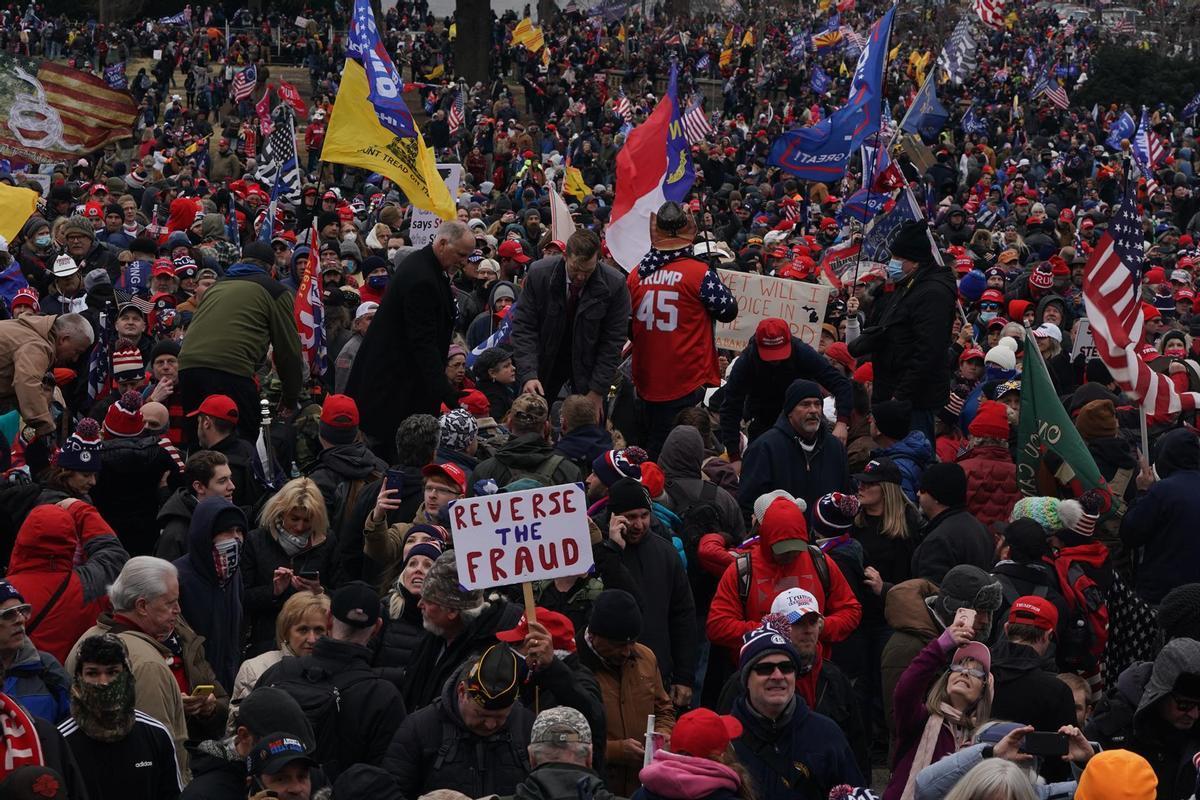 Simpatizantes de Donald Trump en su asalto al Capitolio, en Washington.