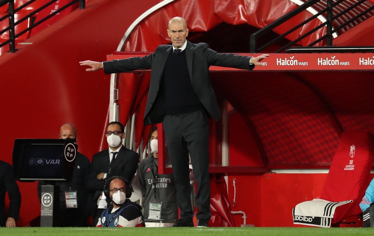 Zidane insinua el seu adeu