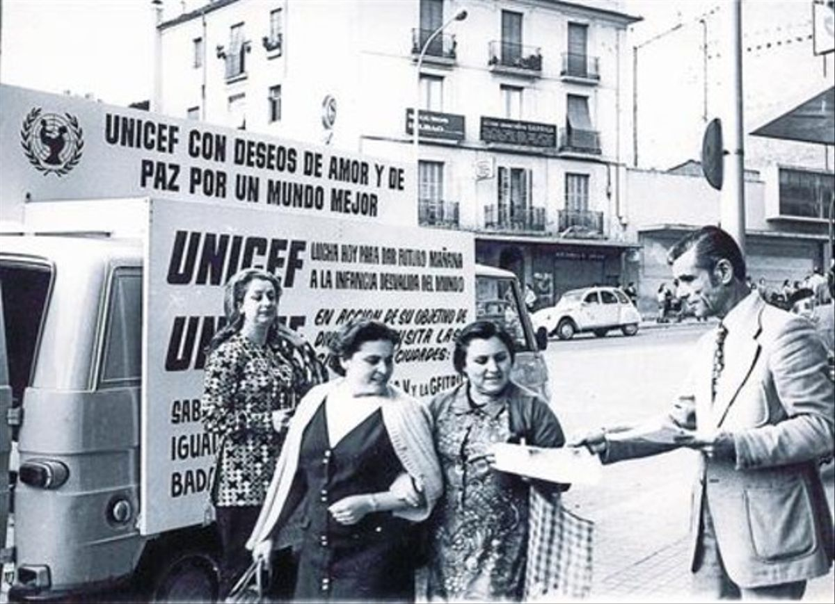 Los inicios 8 Acto de información y petición de aportaciones en Barcelona en la década de los 70.