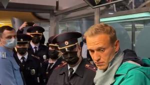 Alexéi Navalni cuando fue detenido el pasado mes de enero en el aeropuerto de Moscú.