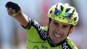Óscar Rodríguez celebra el triunfo en La Camperona.