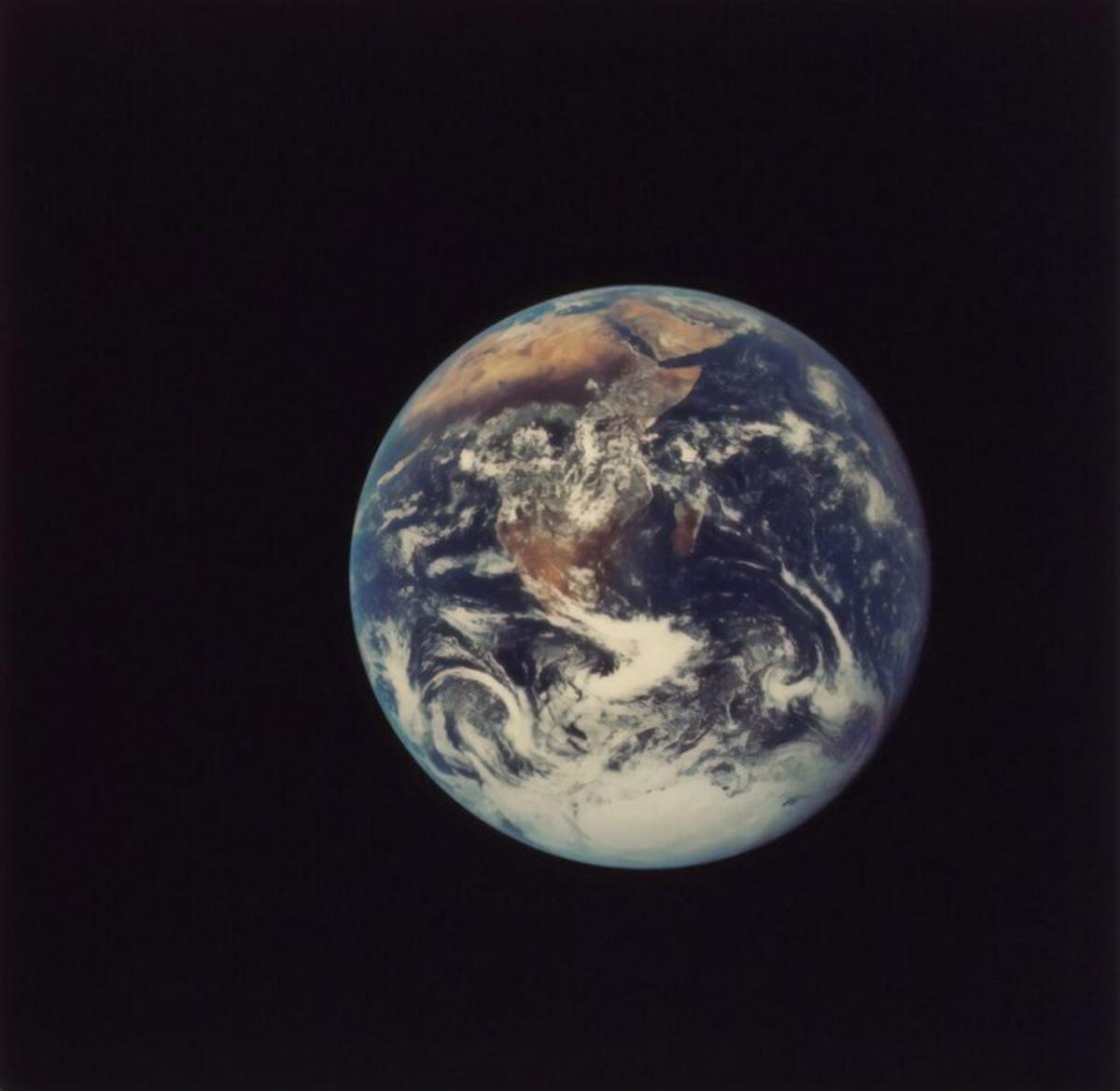 La Tierra bascula como una peonza