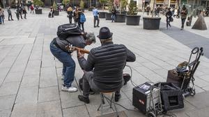 Ciutat Vella acollirà a partir de dilluns actuacions musicals al carrer