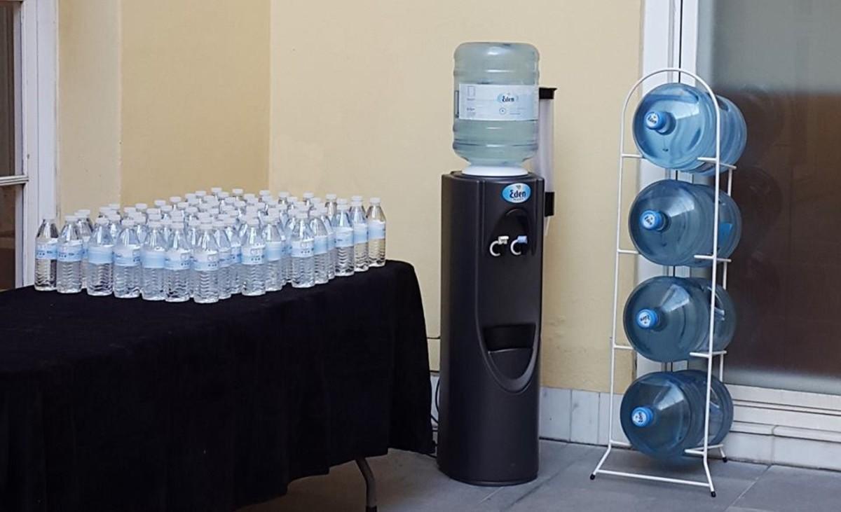 Productos de la firma de agua Eden.