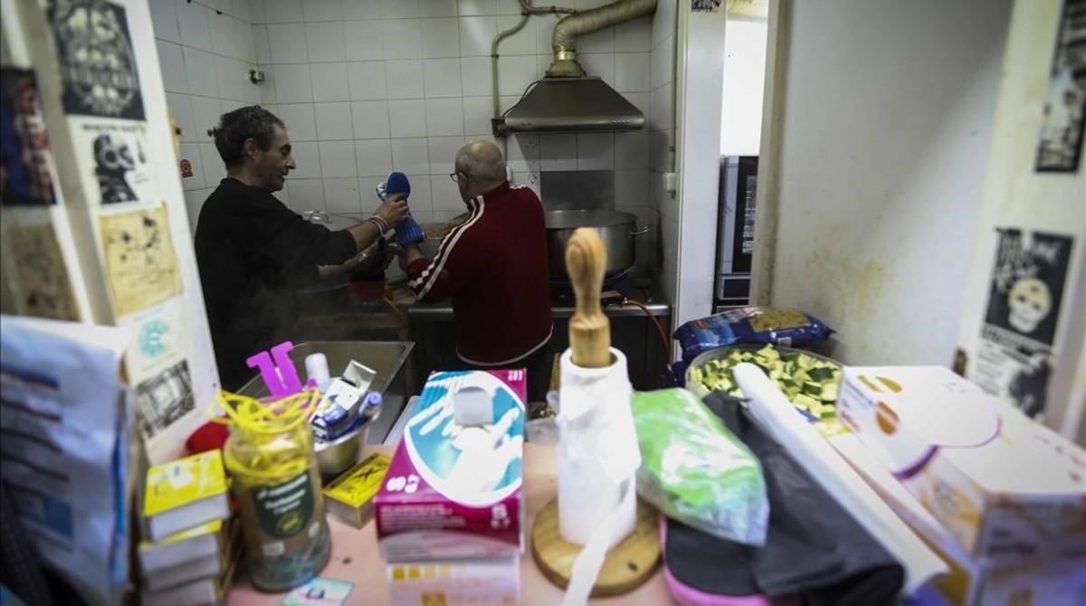 Menys del 8% dels espanyols sota el llindar de la pobresa reben una renda mínima
