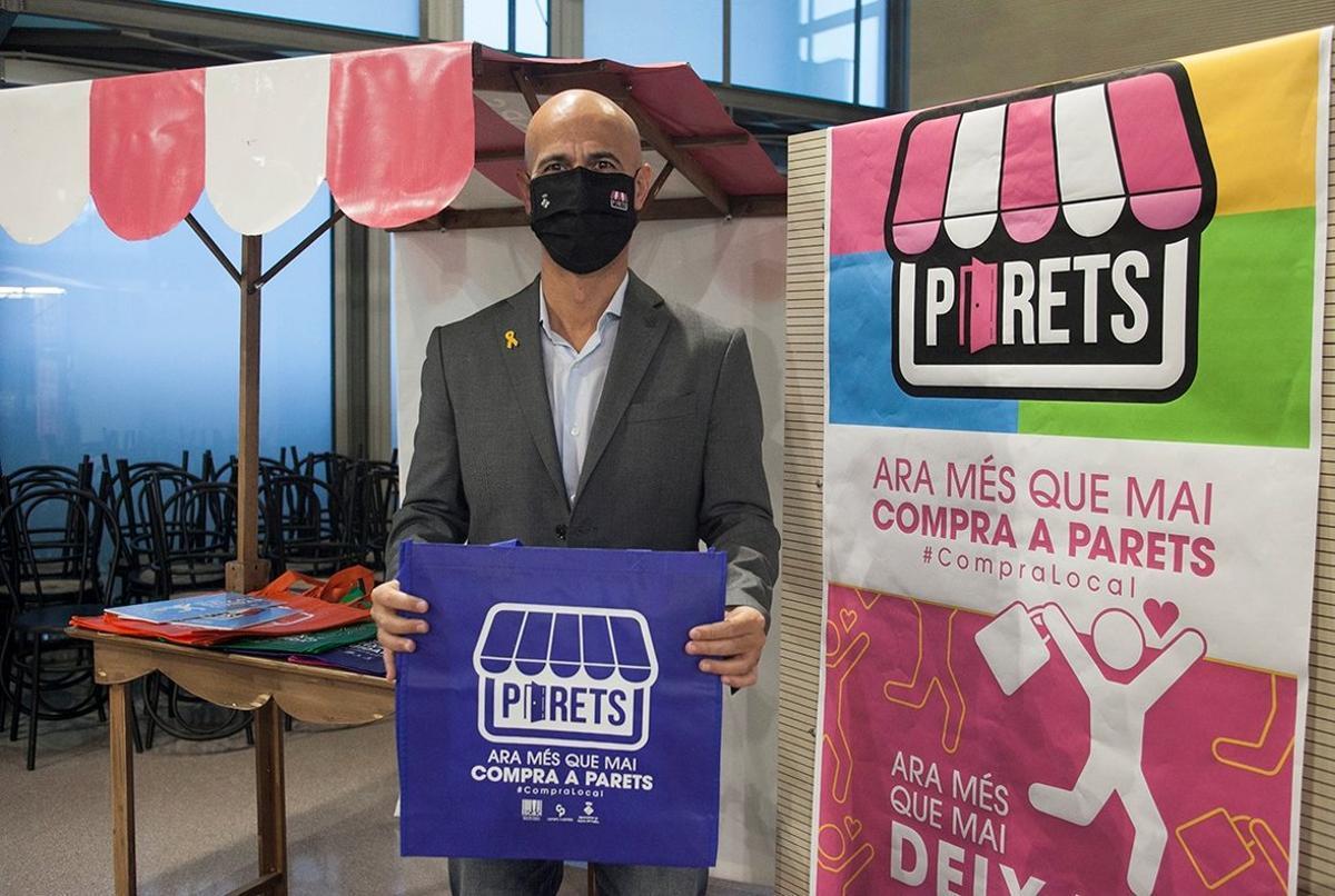 El alcalde de Parets, Jordi Seguer, en la presentación de la campaña 'Ara més que mai, compra a Parets. Ara més que mai, deixa't cuidar' el pasado sábado 24 de octubre