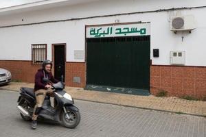 Mezquita del barrio de Sevilla donde rezaba el presunto yihadista.