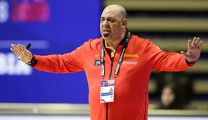 El exseleccionador de baloncesto femenino Lucas Mondelo.