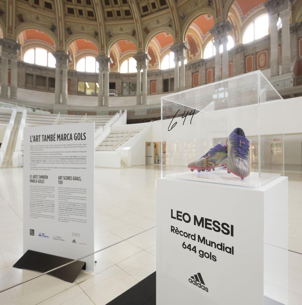 Les botes de Messi, una obra d'art digna del MNAC
