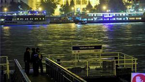 Siete muertos en el naufragio de un barco en el Danubio.