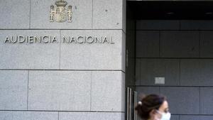 El jutge imputa excaps de seguretat de Caixabank i Repsol per encàrrecs a Villarejo