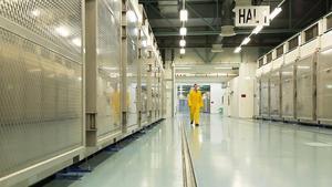Interior de la planta de Fordo, donde se procesa el enriquecimiento de uranio en Irán.