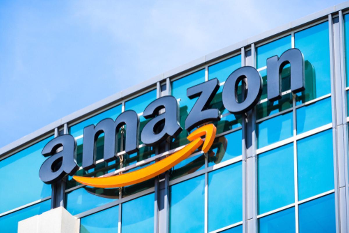 Amazon busca personal para atención al cliente, registro de incidencias y reparto de paquetería