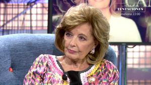 María Teresa Campos en el plató de 'Sábado Deluxe'.
